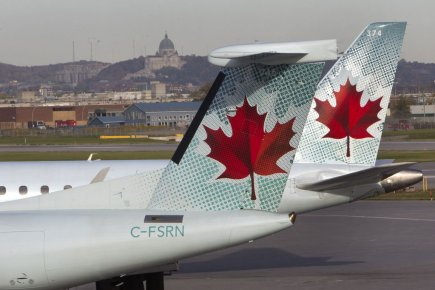 Le conflit qui opposait depuis plus d'un an Air Canada (T.AC.A)... (Photo Robert Skinner, La Presse)