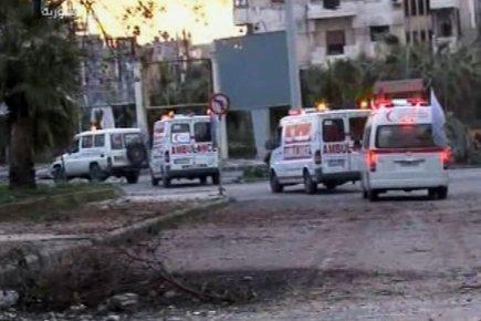 Le convoi de sept camions du Comité international... (Image: AFP)