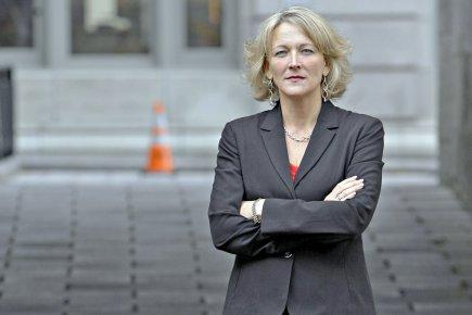 La ministre du Travail, Lise Thériault... (Photothèque Le Soleil, Pascal Ratthé)