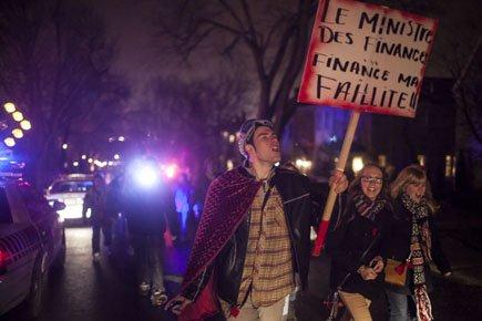 Un groupe d'étudiants se sont réunis pour manifester... (Photo: Olivier Pontbriand, La Presse)