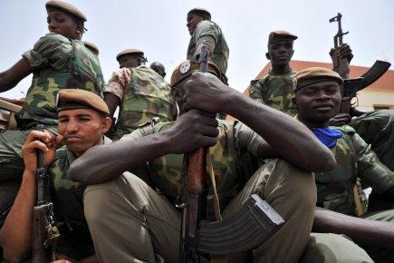 Ces soldats ont participé au coup d'État ayant... (Photo:  Issouf Sanogo, AFP)