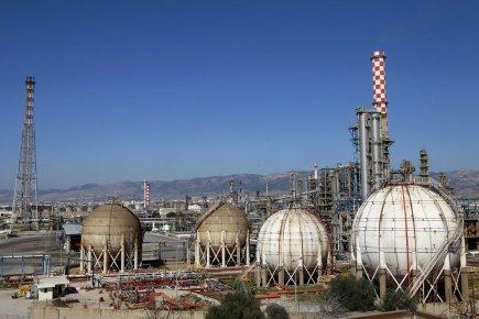 Installations pétrolières à l'ouest d'Athènes en Grèce.... (Photo Reuters)