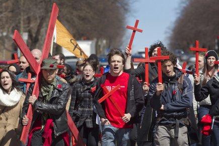 Des étudiants ont manifesté contre la hausse des... (Photo: Ivanoh Demers, La Presse)