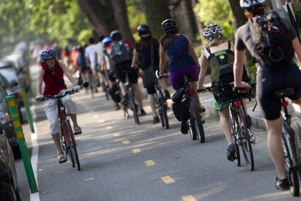 Montréal veut sortir les scooters des pistes cyclables,... (Photo: Ivanoh Demers, La Presse)