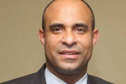 Le premier ministre désigné par le président Martelly,... (Photo tirée de la page Facebook de Laurent Lamothe)