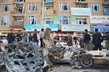 Les attaques-suicide coordonnées menées par les talibans ... (Photo: Bay Ismoyo, AFP)