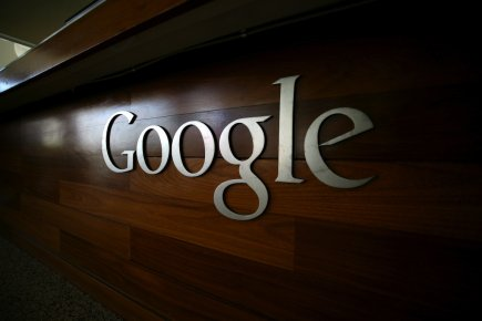 Le géant de l'internet Google poursuit la restructuration de sa filiale... (Photo Kimihiro Hoshino, AFP)