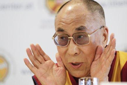 photos - Marche du Dalaï Lama/Lhassa s'enflamme, Pékin l'étouffe - Page 19 504794-dalai-lama-age-76-ans