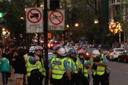 Sur cette photo prise par un manifestant, les... (Photo: gracieuseté de Jean-Philippe Tittley)