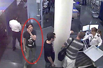 De nouvelles images de caméras de surveillance montrent... (Photo: AP)