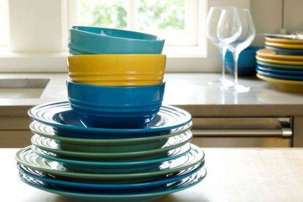 vaisselle couleur trouvez le meilleur prix sur voir. Black Bedroom Furniture Sets. Home Design Ideas