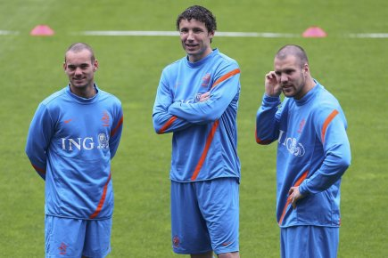 Wesley Sneijder, Mark van Bommel (photo) et Ron... (Photo : Tony Gentile, Reuters)
