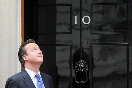 Le premier ministre britannique David Cameron devant la... (Photo: Sean Kilpatrick, PC)