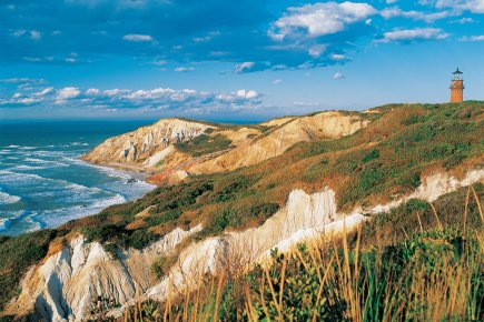 Des falaises d'argile à Aquinnah, dans l'île de... (Photo fournie par Martha's Vineyard Chamber of Commerce)