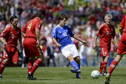 Au centre, Michael Laudrup lors d'un match amical... (Photo : Odd Andersen, AFP)