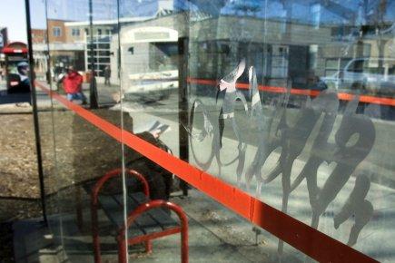Un abribus près de la station de métro... (Photo: Martin Chamberland, archives La Presse)