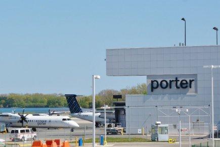 L'Union des consommateurs et Porter Airlines ont fait... (Photo: Étienne Fortin-Gauthier, archives la Voix de l'Est)
