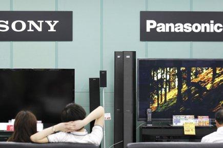 Les géants japonais Sony et Panasonic ont été relégués jeudi en catégorie... (Photo : Kim Kyung-Hoon, Reuters)