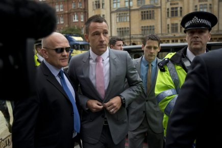John Terry à son arrivée au tribunal de... (Photo: AP)