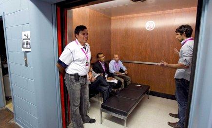 Lors des présentations d'ascenseurs, les entrepreneurs doivent vendre... (PHOTO ALAIN ROBERGE, LA PRESSE)