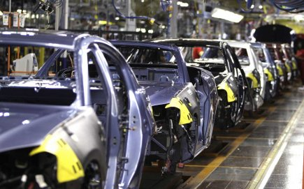 Une usine Chrysler au Michigan.... (PHOTO CARLOS OSORIO, AP)