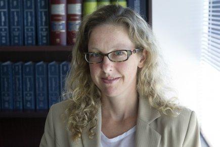 FannyBrodeur, avocate fiscaliste, prévient que la facture peut... (Photo Robert Skinner, La Presse)