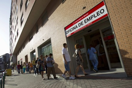 Centre d'emploi du gouvernement à Madrid... (PHOTO JUAN MEDINA, REUTERS)