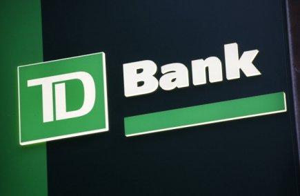 Les titres bancaires canadiens n'ont guère bronché à l'ouverture lundi matin,...