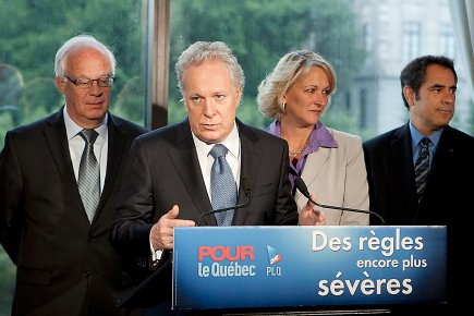 Jean Charest était de passage dans la capitale... (Photo La Presse Canadienne)