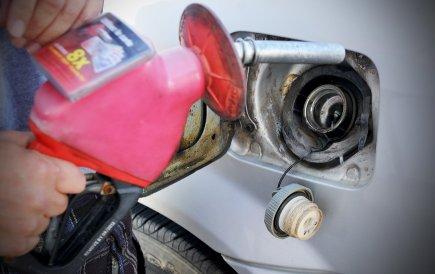 Dans certaines stations, le prix du litre d'essence... (Imacom, Jessica Garneau)