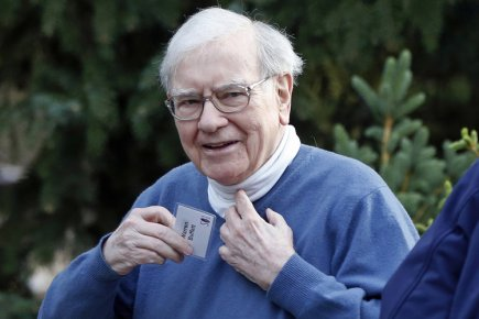 Warren Buffett... (Photo: Reuters)