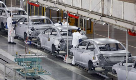 Une usine de montage de Honda en Chine... (PHOTO AP)