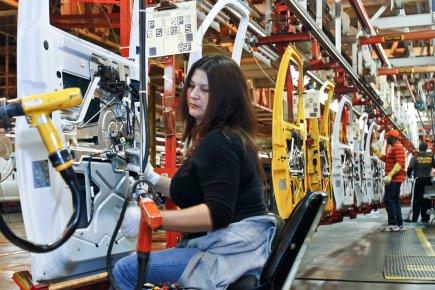 La productivité (hors secteur agricole) a progressé de... (Photo archives Reuters)