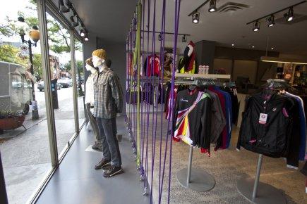 Le nouveau magasin MEC est différent des 15... (Photo Martin Chamberland, La Presse)