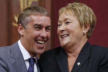 Le ministre de l'Économie Nicolas Marceau et Pauline... (Photo Reuters)