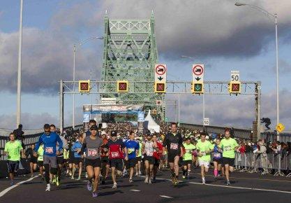 Cette année, 27 000 coureurs, soit 3000 de... ((Photo La Presse))