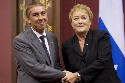 Le ministre des Finances Nicolas Marceau aux côtés... (Photo: PC)
