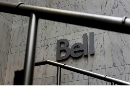 Des représentants syndicaux ont indiqué que Bell Canada avait éliminé 90 postes... (Photo Bloomberg)