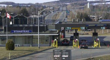 Le poste frontière de Stranstead.... (PHOTO ROBERT SKINNER, LA PRESSE)