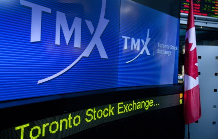 Le volume de négociation à la Bourse de Toronto a chuté de 20% en 2012, alors... (PHOTO NORM BETTS, BLOOMBERG)