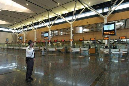 Les douanes canadiennes à l'aéroport Montréal-Trudeau.... (Photo: archives La Presse)