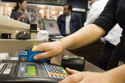 Les ventes au détail ont connu une légère hausse de 0,2% en novembre pour... (Photo Bloomberg)