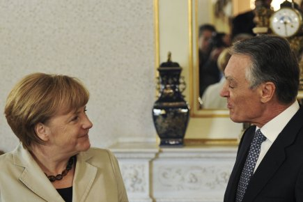 Angela Merkel et Anibal Cavaco Silva.... (Photo AFP)