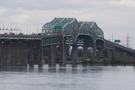 Le nouveau pont Champlain pourrait être plus solide, plus durable et construit... (Photo archives La Presse)