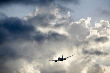 Des milliers de passagers de United se retrouvent coincés jeudi en raison une...