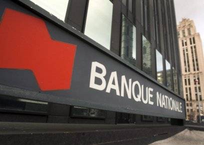 Standard & Poor's a abaissé d'un cran la note de six institutions financières...