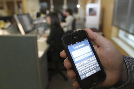 Les médias sociaux, les courriels et les textos... (Photo Stéphane Champagne, collaboration spéciale)