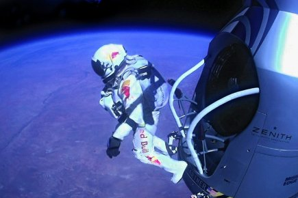 Felix Baumgartner a franchi le mur du son... (Photo: archives Associated Press)