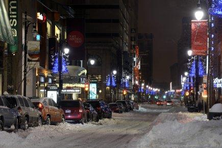 Les rues du centre-ville de Montréal étaient désertes... (Photo: Bernard Brault, La Presse)