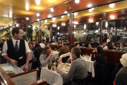 L 39 express fid le lui m me ariane krol restaurants for Equipement de restaurant montreal